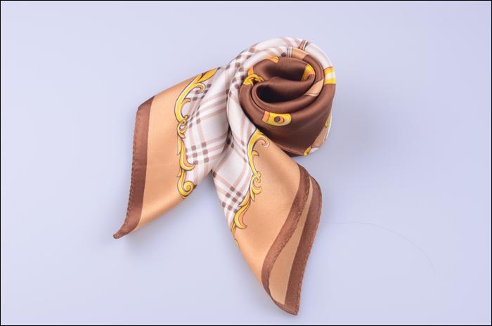 阿里巴巴钩织围巾图片图解