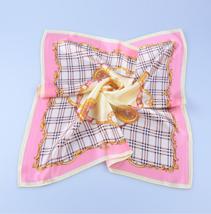 素绉缎印花方巾