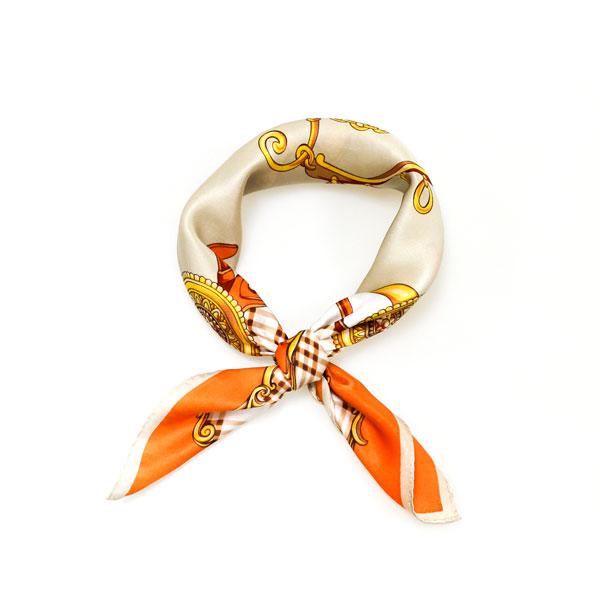 格纹诱橘小方巾