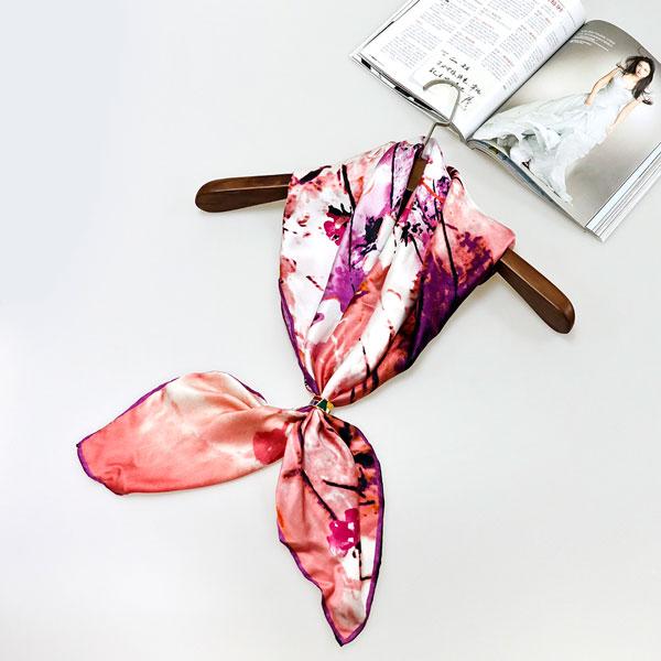 姹紫嫣红丝巾