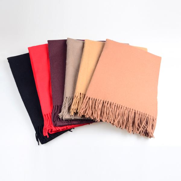 素色羊毛围巾